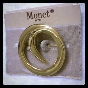 New but vintage MONET NYC circle gold tone brooch